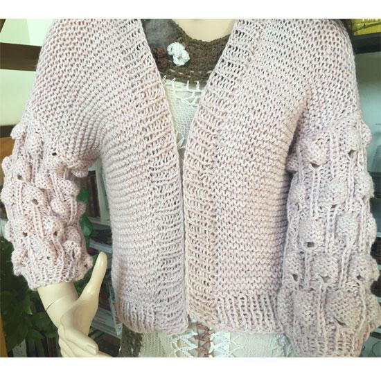 f4491fa22 gilet tricot boule fait main, tendance, pour débutante, gilet tricot ...